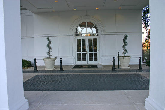 Porte Cochere conference entrance to the coin shows